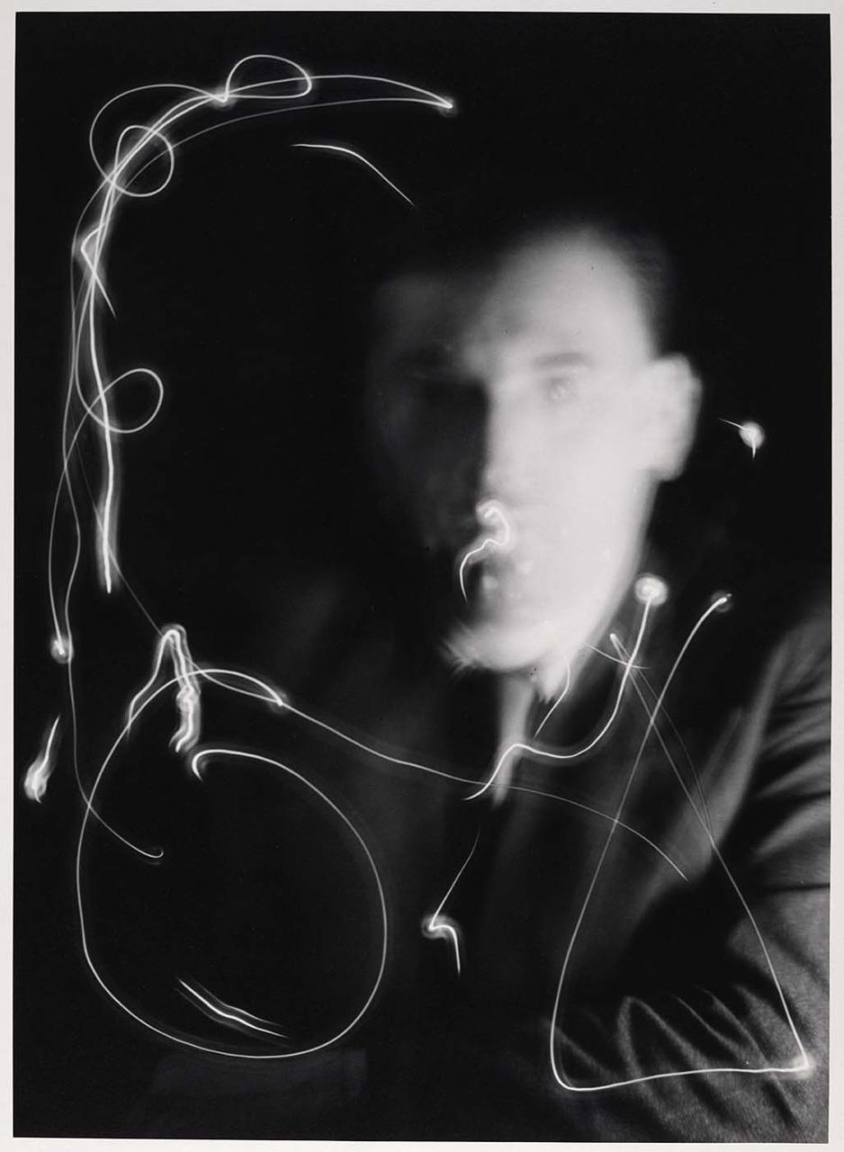 http://mt.wiglaf.org/aaronm/2009/11/30/man_ray.jpg
