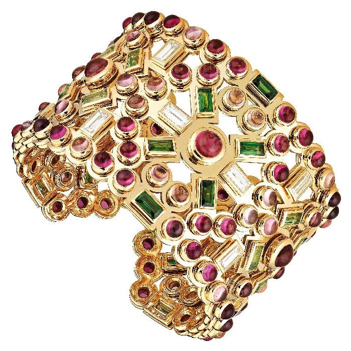 http://mt.wiglaf.org/aaronm/2011/01/30/Chanel-joaille2.jpg