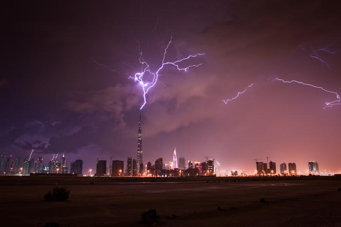 Burj-Khalifa-Lightning-3.jpg