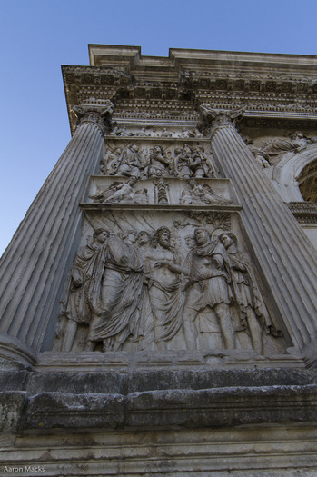 Benevento-Arch of Trajan-Frieze0005.jpg