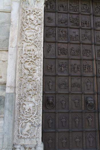 Benevento-Benevento Cathedral-New Doors0037.jpg